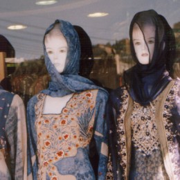 Hijab mannequins photo courtesy of stock.xchng