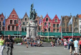 Romance in Bruges and mussels in Brussels