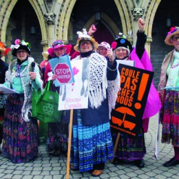 Raging Grannies sweat it out against climate-change inaction