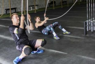 Spartan Race Montreal: Father and daughter are climbing toward victory