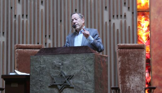 """""""Never Again"""" means human rights for all, Cotler tells men's club. Photo: Charles Eklove"""